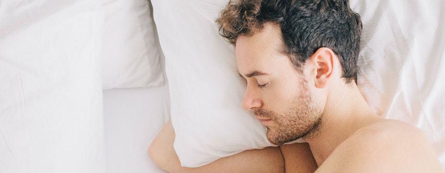 Yan Yatarak Uyumanın 4 Yararı