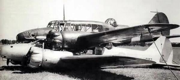 Havada Çarpışıp Yere Sağlam İnen Uçaklar