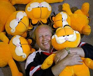 Jim Davis - Garfield karakterinin çizeri